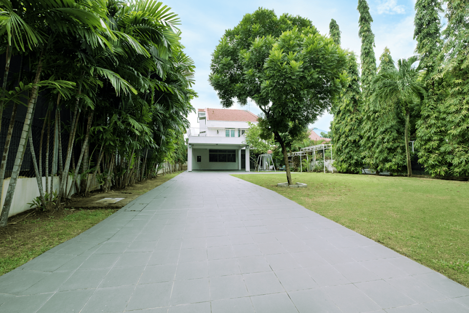 999-year leasehold residential land