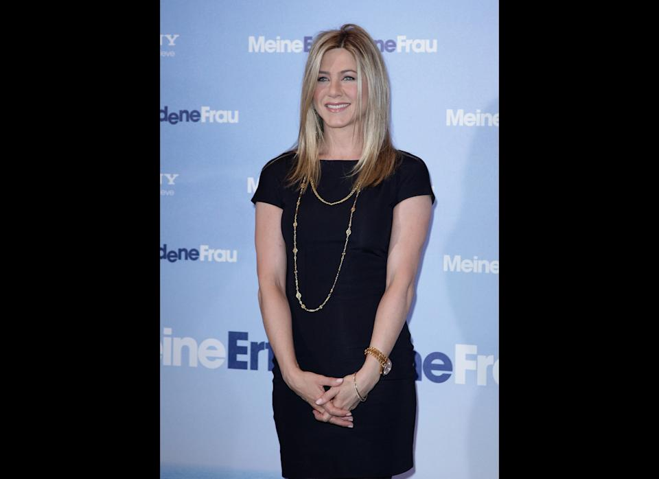 Actress Jennifer Aniston attends the 'Meine Erfundene Frau' (Just Go With It) Photocall at Hotel Adlon on February 21, 2011 in Berlin, Germany. (Photo by Andreas Rentz/Getty Images)