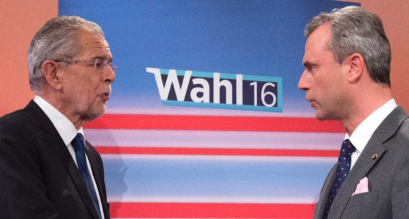 Presidential candidates Alexander Van der Bellen (L) and Norbert Hofer will face off again after a ruling by Austria's highest court declared May election results null and void (AFP Photo/Joe Klamar)