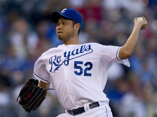 Chen gets 1st win of season, Royals beat Red Sox