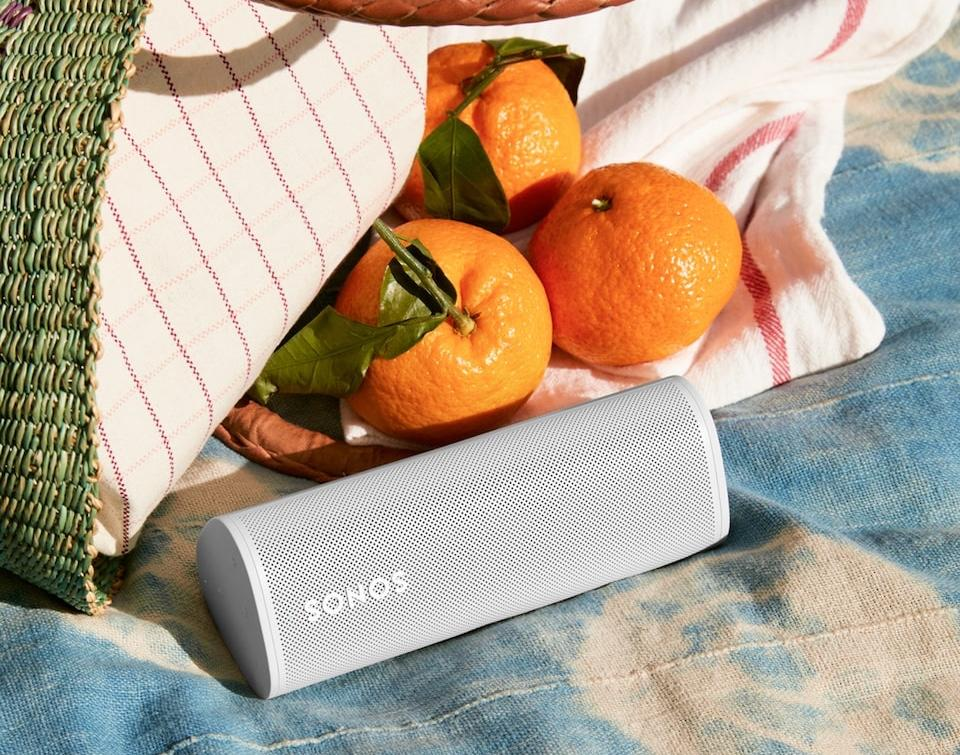 The Sonos Roam lets you bring your favorite songs with you whether rain or shine. (Image: Sonos)