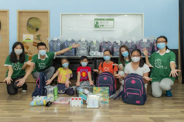 "Members of the Hong Kong Hang Lung As One Volunteer Team distribute ""Welcome Back to School Kits"" to students affected by COVID-19 in Tin Shui Wai, Kwai Chung and Tai Kok Tsui Districts"