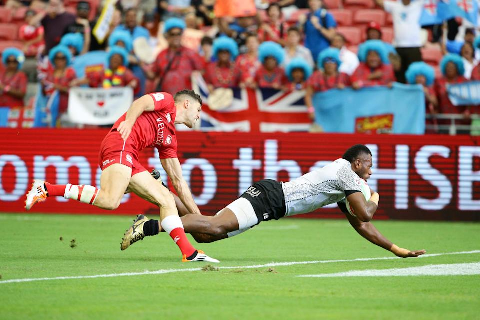 Fiji survives big scare to advance at HSBC Singapore Rugby Sevens