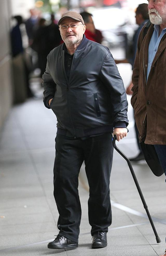 Phil Collins, pictured in October, has used a cane to get around since a 2015 operation on his back. (Photo: BACKGRID)