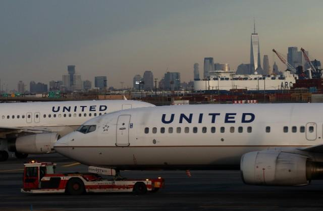 United Airlines Awards White Woman $1000 After She Disturbs Black Man's Flight