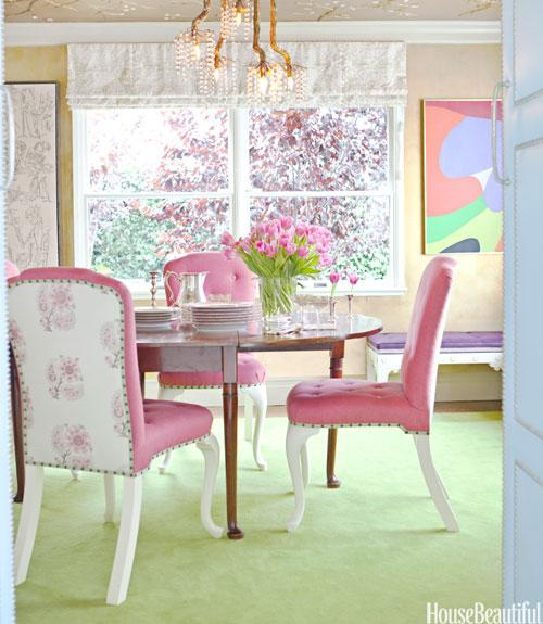 """<div class=""""caption-credit""""> Photo by: VICTORIA PEARSON</div><div class=""""caption-title"""">Gold Leaf</div><p>  To make the Tony Duquette chandelier feel more at home, Ruthie Sommers had decorative painter Peter Bolton create an elaborate tree design in gold leaf on the dining room ceiling. Jacaranda and plum trees inspired the vibrant pink Penny Morrison fabric on the front of the chairs and the Claremont floral on the back. Rug from Melrose Carpet. </p> <p>  <b>See more:</b> </p> <p>  <a rel=""""nofollow"""" href=""""http://www.housebeautiful.com/photos/global-interior-design?link=emb&dom=yah_life&src=syn&con=blog_housebeautiful&mag=hbu"""" target=""""""""><b>8 Spectacular Rooms from Around the World</b></a>  <br>  <a rel=""""nofollow"""" href=""""http://www.housebeautiful.com/photos/cool-floors?link=emb&dom=yah_life&src=syn&con=blog_housebeautiful&mag=hbu"""" target=""""""""><b>10 Bold Colored Floors That Wow</b></a> </p>"""