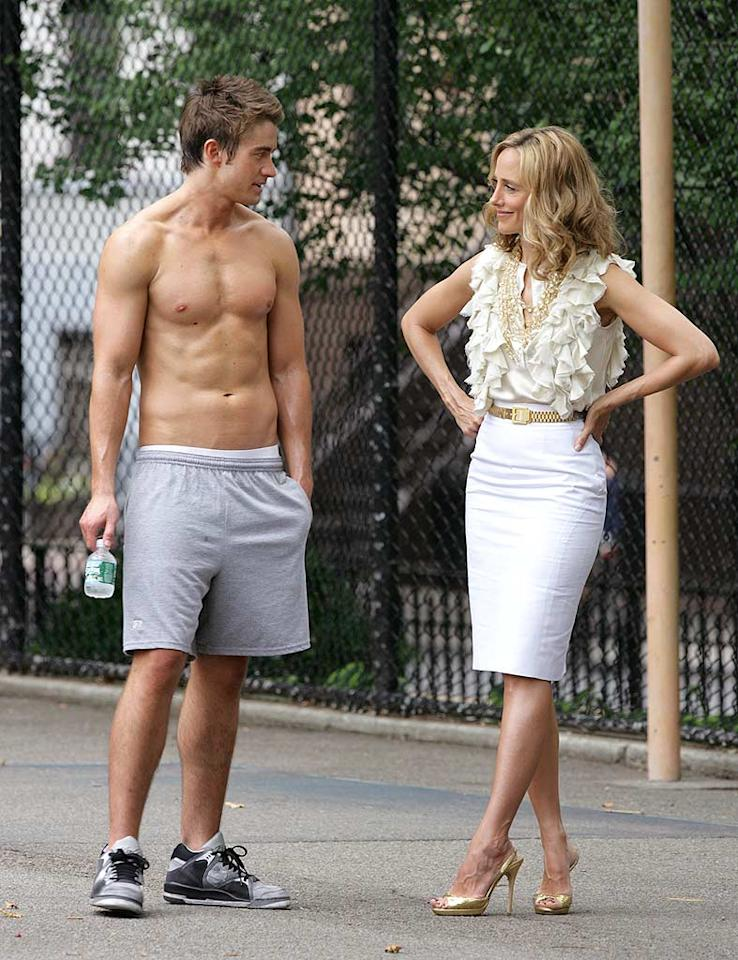 """Lipstick Jungle's"" Kim Raver earns this week's best dressed award for her super chic ensemble, while this week's best undressed award goes to her stunning costar, Robert Buckley. A. Macpherson/<a href=""http://www.splashnewsonline.com"" target=""new"">Splash News</a> - June 27, 2008"