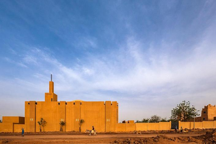 Debut: Atelier Masōmī Pictured above: HIKMA, A Religious and Secular Complex in Dandaji, Niger. Read our profile here.