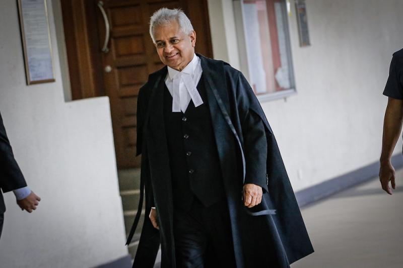 Attorney General Tan Sri Tommy Thomas at the Kuala Lumpur Court Complex November 15, 2019. — Picture by Hari Anggara