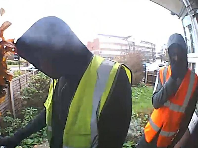 Police would like to speak to this man regarding a kidnapping and burglary in Croydon (Metropolitan Police)