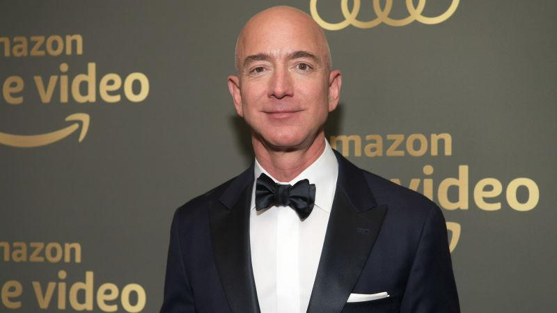 Well Here Are Some Alleged Dirty Texts From Jeff Bezos To Lauren