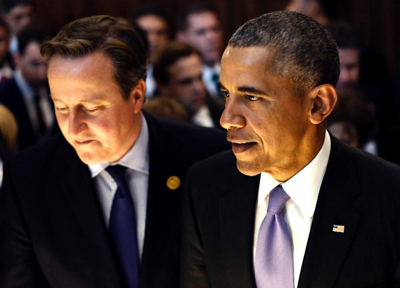 Prime Minister David Cameron (L), photographed with US President Barack Obama at the G20 Summit in Antalya on November 16, 2015, said that British security services have foiled seven terror plots on British soil in the last year (AFP Photo/Fatih Aktas)