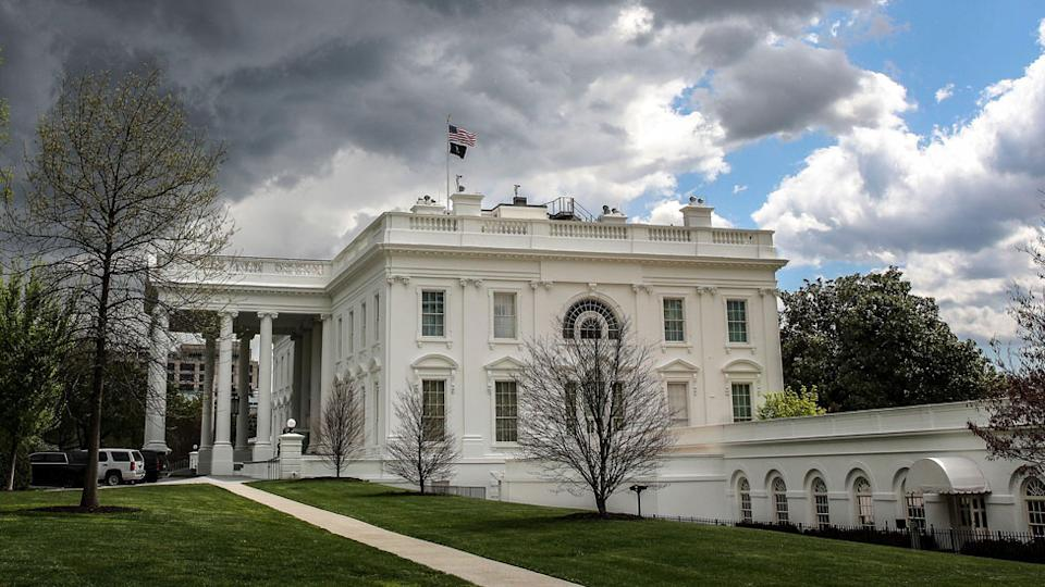 Dark clouds at the White House