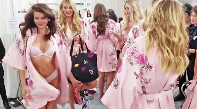 "Victoria's Secret Angels dancing and singing Cardi B's ""Bodak Yellow."" (Photo: Twitter/Pop Crave)"