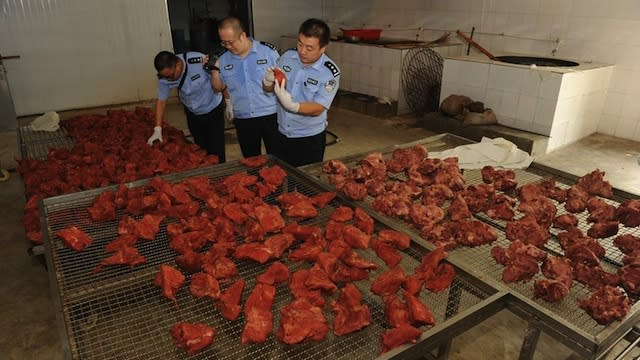 More than 20,000kg of fake beef was seized by police in China from six workshops found to be producing it. (Photo from CNWest)