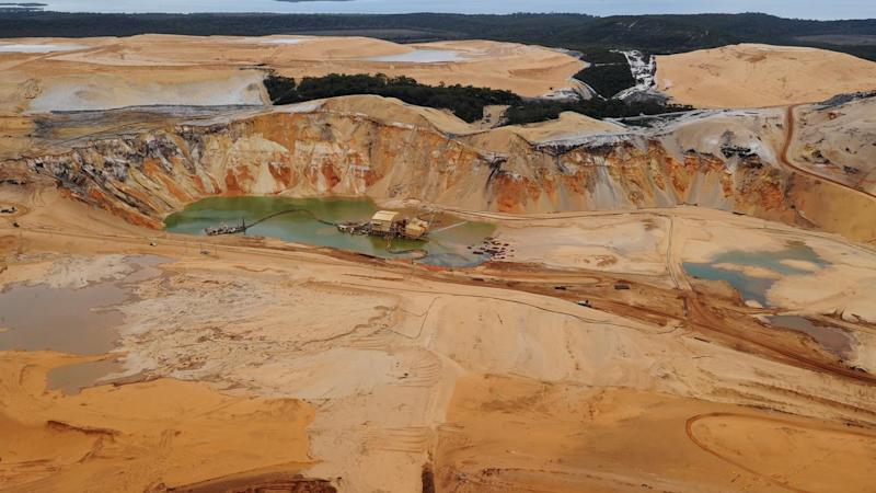 Queensland has announced a $5 million fund to help jobless sand miners on North Stradbroke Island.