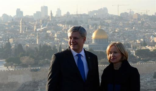 Harper's security team accused of roughing up journalist on Middle East tour