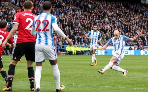 Aaron Mooy goal - Credit: GETTY IMAGES