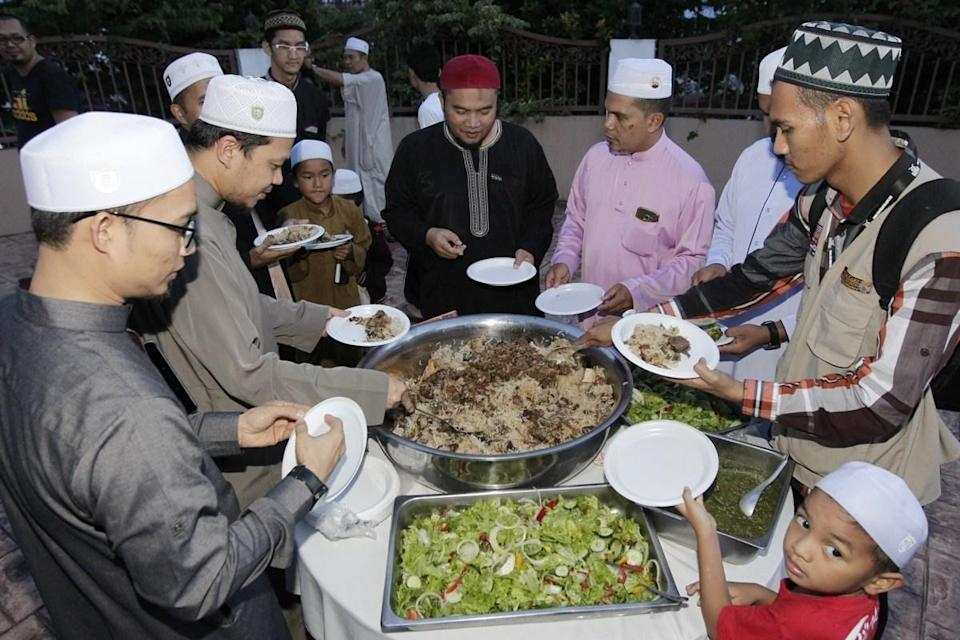 Muslims around the world round off Ramadan with the Festival of the Breaking of the Fast called <em>eid al-fitr</em>. While traditions for <em>eid</em>—as it is colloquially called—vary by country and culture, is it commonplace for gifts to be exchanged, meals to be shared, and new attire to be bought as friends and families gather in homes and mosques. In Muslim countries, the day is a public holiday, ensuring everyone has the time off to celebrate. Again, eid celebrations will look different this year, with probably quite a few more Zoom celebrations instead of in-person gatherings.
