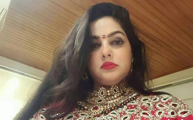 <p>She shadily disappeared from planet Bollywood and no one bothered to dig in the whereabouts of this 90s actress who, back in the day, had created quite many controversial ripples. She, recently, surfaced out of nowhere, and her alleged involvement in Thane drug case dredged up a bunch of specifics including her conversion to Islam in the year 2013 to salvage her boyfriend Vicky Goswami, who, at then was imprisoned in UAE. </p>