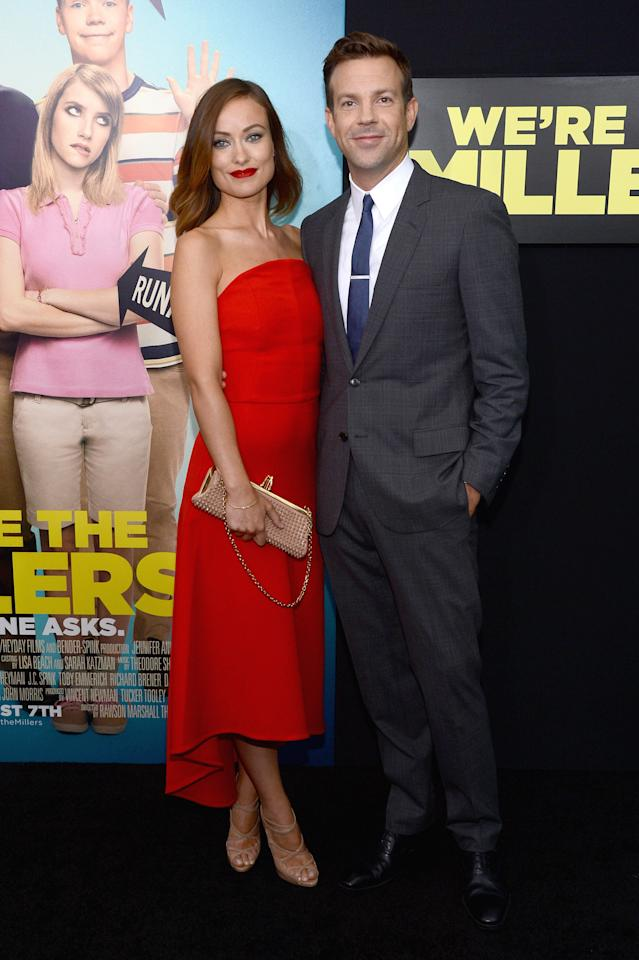 "NEW YORK, NY - AUGUST 01:  Actors Olivia Wilde (L) and Jason Sudeikis attend the ""We're The Millers"" New York Premiere at Ziegfeld Theater on August 1, 2013 in New York City.  (Photo by Larry Busacca/Getty Images)"