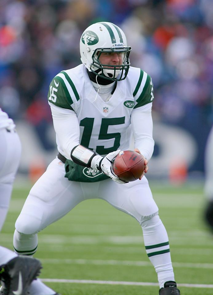 ORCHARD PARK, NY - DECEMBER 30:  Tim Tebow #15 of the New York Jets takes his only snap against the Buffalo Bills at Ralph Wilson Stadium on December 30, 2012 in Orchard Park, New York. Buffalo won 28-9.  (Photo by Rick Stewart/Getty Images)
