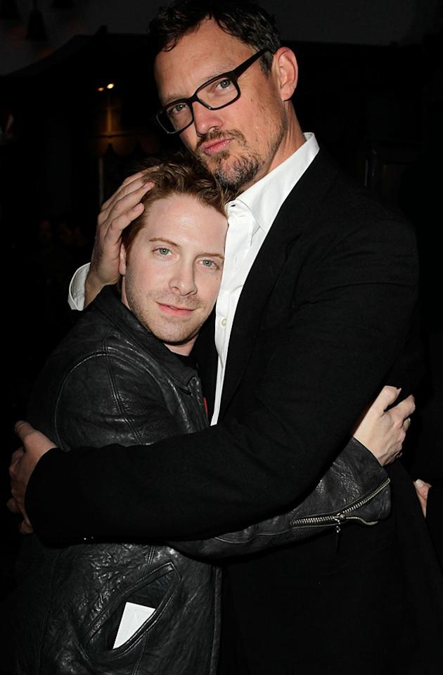 """BFFs <a href=""""http://movies.yahoo.com/movie/contributor/1800018683"""">Seth Green</a> and <a href=""""http://movies.yahoo.com/movie/contributor/1800019328"""">Matthew Lillard</a> hugged it out on the red carpet."""