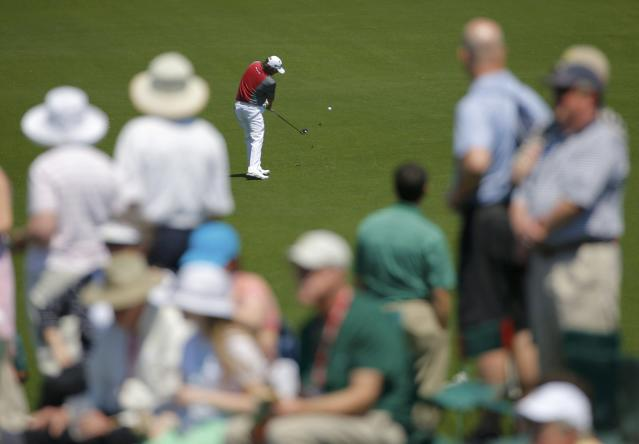 U.S. golfer Jason Dufner hits a a shot on the eighth hole during the first round of the 2014 Masters golf tournament at the Augusta National Golf Club in Augusta, Georgia April 10, 2014. REUTERS/Brian Snyder (UNITED STATES - Tags: SPORT GOLF)