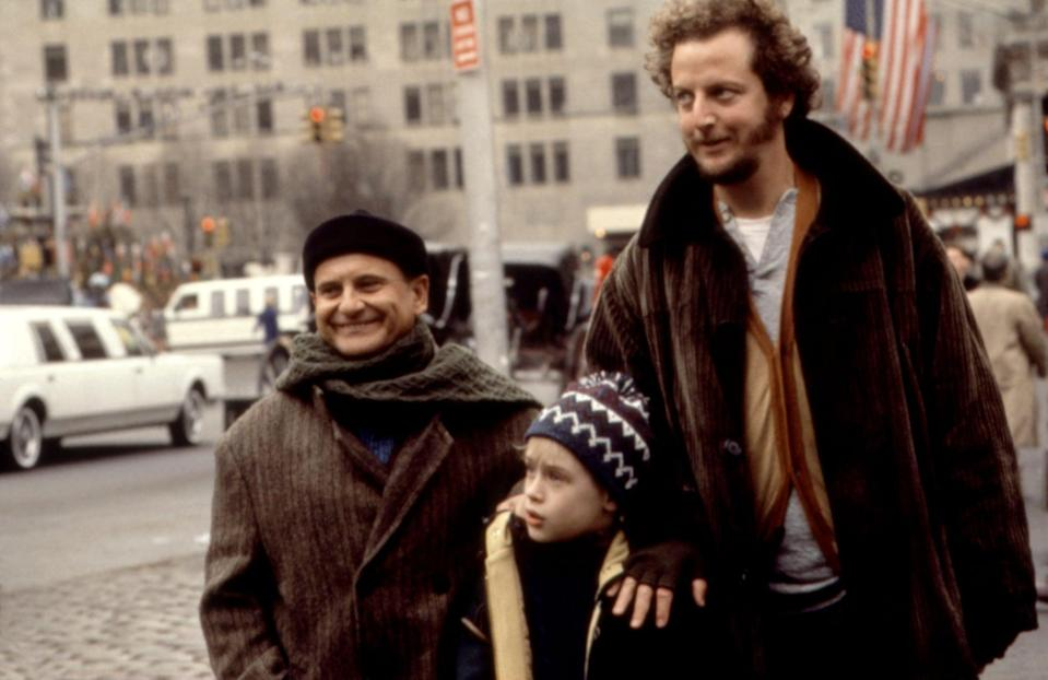 """<p><strong>HBO Max's Description:</strong> """"Kevin's back! Macaulay Culkin returns as America's favorite kid in distress, and this time he's on his own in the Big Bad Apple. Armed with Dad's wallet and credit cards, Kevin's having the time of his life! But uh-oh! Those two inept burglars from back home show up to rob a kindly old toy-store owner of the money he was planning on donating to a children's hospital.""""</p> <p><a href=""""https://play.hbomax.com/feature/urn:hbo:feature:GXl55xQpbiZ4_wwEAACWE"""" class=""""link rapid-noclick-resp"""" rel=""""nofollow noopener"""" target=""""_blank"""" data-ylk=""""slk:Watch Home Alone 2: Lost in New York on HBO Max here!"""">Watch <strong>Home Alone 2: Lost in New York</strong> on HBO Max here!</a></p>"""