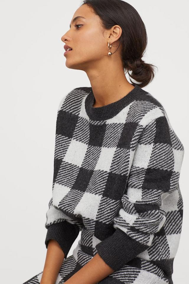 "<p>This <a href=""https://www.popsugar.com/buy/HampM-Jacquard-Knit-Sweater-493764?p_name=H%26amp%3BM%20Jacquard-Knit%20Sweater&retailer=www2.hm.com&pid=493764&price=30&evar1=fab%3Auk&evar9=46670855&evar98=https%3A%2F%2Fwww.popsugar.com%2Ffashion%2Fphoto-gallery%2F46670855%2Fimage%2F46671398%2FHM-Jacquard-Knit-Sweater&list1=shopping%2Cfall%20fashion%2Csweaters%2C50%20under%20%2450%2Caffordable%20shopping&prop13=api&pdata=1"" rel=""nofollow"" data-shoppable-link=""1"" target=""_blank"" class=""ga-track"" data-ga-category=""Related"" data-ga-label=""https://www2.hm.com/en_us/productpage.0763282007.html"" data-ga-action=""In-Line Links"">H&amp;M Jacquard-Knit Sweater</a> ($30) is so chic.</p>"