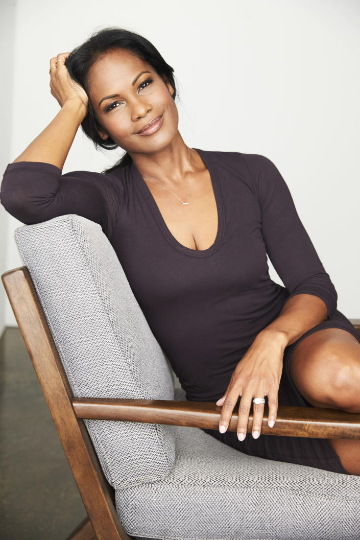Robinne Lee (Theo & Juliet)