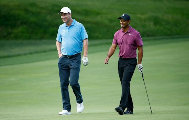 "Peyton Manning and <a class=""link rapid-noclick-resp"" href=""/pga/players/147/"" data-ylk=""slk:Tiger Woods"">Tiger Woods</a> in 2018. (Photo by Andy Lyons/Getty Images)"