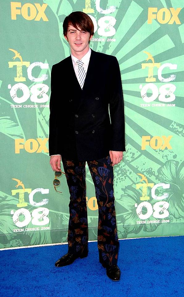 "Don't get us wrong; Drake Bell is dreamy, but the patterned pants he sported to the Teen Choice Awards were beyond painful. Steve Granitz/<a href=""http://www.wireimage.com"" target=""new"">WireImage.com</a> - August 3, 2008"