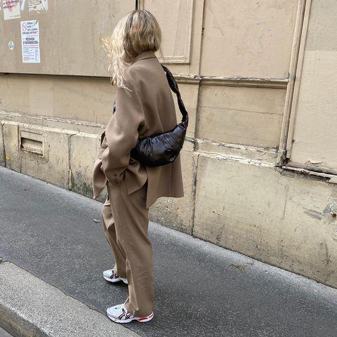 """<p>Oversized tailoring can be dressed down with trainers.</p><p><a class=""""link rapid-noclick-resp"""" href=""""https://go.redirectingat.com?id=127X1599956&url=https%3A%2F%2Fwww.arket.com%2Fen_gbp%2Fwomen%2Ftailoring%2Fproduct.oversized-twill-blazer-beige.0857951004.html&sref=https%3A%2F%2Fwww.elle.com%2Fuk%2Ffashion%2Fg29844296%2Fcasual-clothes%2F"""" rel=""""nofollow noopener"""" target=""""_blank"""" data-ylk=""""slk:SHOP NOW"""">SHOP NOW</a></p><p><a href=""""https://www.instagram.com/p/CGu4Iy0nBvo/"""" rel=""""nofollow noopener"""" target=""""_blank"""" data-ylk=""""slk:See the original post on Instagram"""" class=""""link rapid-noclick-resp"""">See the original post on Instagram</a></p>"""