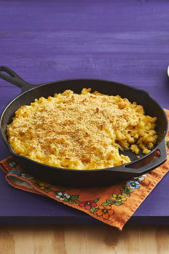 """<p>Everyone loves mac and cheese—especially when it has a golden breadcrumb topping like this one does! Bake it in a skillet just enough to get those crispy edges. </p><p><a href=""""https://www.thepioneerwoman.com/food-cooking/recipes/a32947627/butternut-squash-mac-and-cheese-recipe/"""" rel=""""nofollow noopener"""" target=""""_blank"""" data-ylk=""""slk:Get Ree's recipe."""" class=""""link rapid-noclick-resp""""><strong>Get Ree's recipe.</strong></a></p>"""