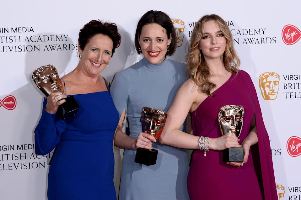 LONDON, ENGLAND - MAY 12: (L-R) Winner of the Supporting Actress award for 'Killing Eve', Fiona Shaw, winner of the award for Drama Series for 'Killing Eve', Phoebe Waller-Bridge and winner of the Best Leading Actress award for 'Killing Eve', Jodie Comer pose in the Press Room at the Virgin TV BAFTA Television Award at The Royal Festival Hall on May 12, 2019 in London, England. (Photo by Jeff Spicer/Getty Images)