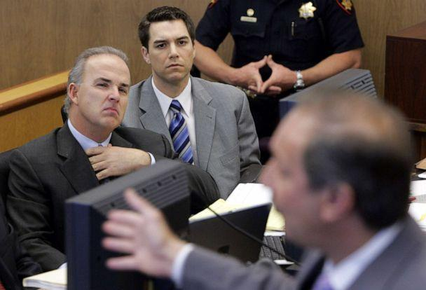 PHOTO: Scott Peterson and attorney Pat Harris listen to attorney Mark Geragos during defense closing arguments in Redwood, Calif., Nov. 2, 2004. (Pool via Getty Images, FILE)