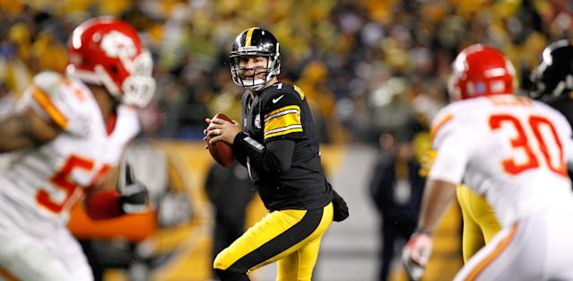 PITTSBURGH, PA - NOVEMBER 12: Ben Roethlisberger #7 of the Pittsburgh Steelers looks to pass in the first half against the Kansas City Chiefs at Heinz Field on November 12, 2012 in Pittsburgh, Pennsylvania. (Photo by Gregory Shamus/Getty Images)
