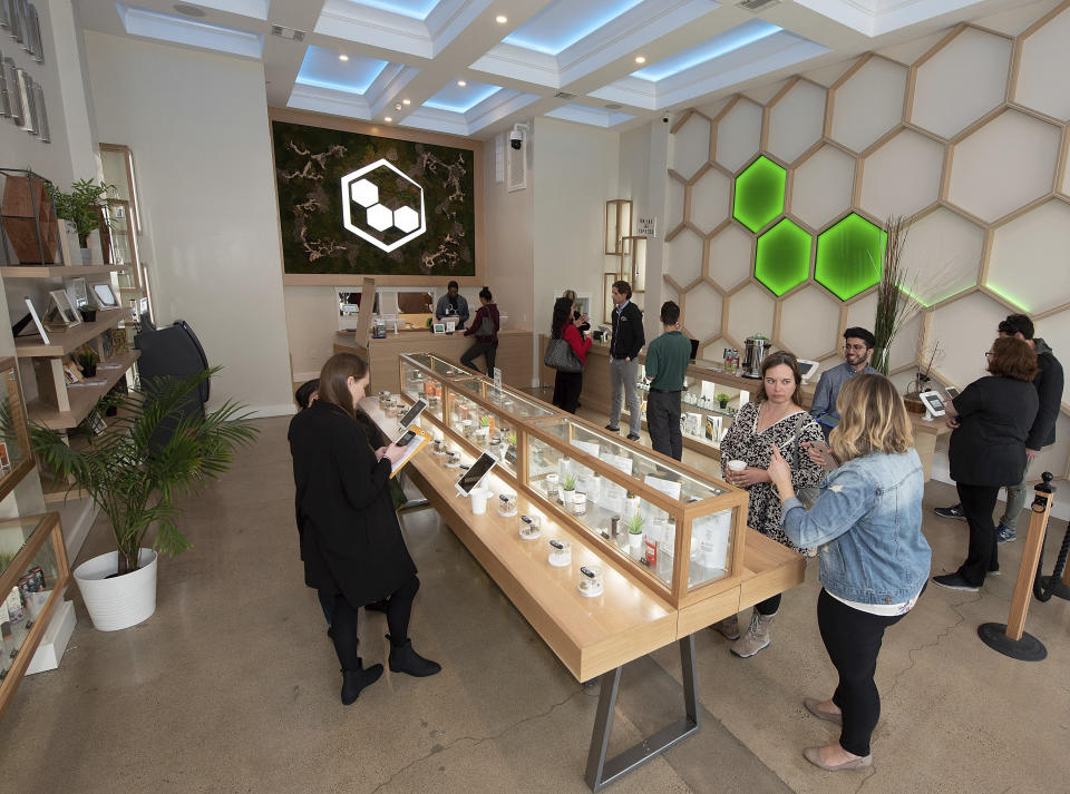 ECO Cannabis Oakland, un dispensario de marihuana legal en Oakland, California (MediaPunch /IPX)