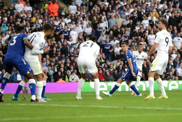 Raphinha, second right, fires home a superb equaliser against Everton last week