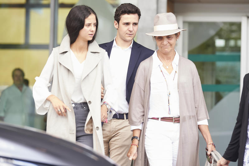 POZUELO DE ALARCON, SPAIN - AUGUST 27: Queen Sofia of Spain, Juan Froilan de Marichalar and Victoria Federica de Marichalar is seen leaving Quiron Hospital after visit King Juan Carlos on August 27, 2019 in Pozuelo de Alarcon, Spain. (Photo by Borja B. Hojas/Getty Images)