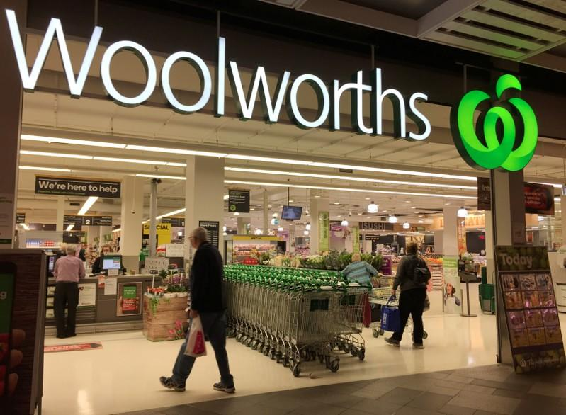 Woolworths underpaid staff by up to $200 million, fuels ire over Australian wage scandals