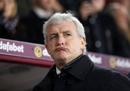 FILE PHOTO: Soccer Football - Premier League - Burnley vs Stoke City - Turf Moor, Burnley, Britain - December 12, 2017 Stoke City manager Mark Hughes Action Images via Reuters/Carl Recine