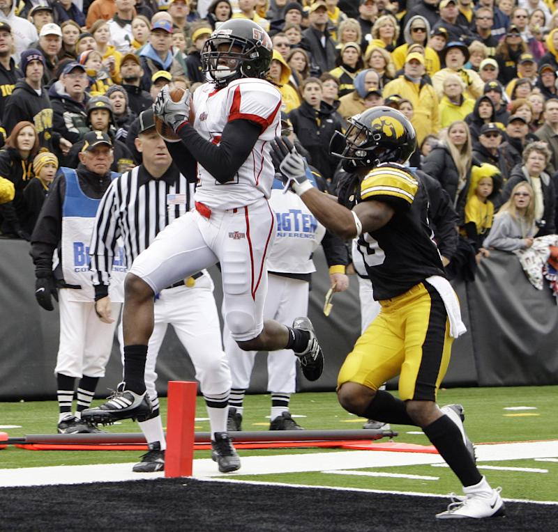 Ex-Iowa player sues over 2011 workout injuries