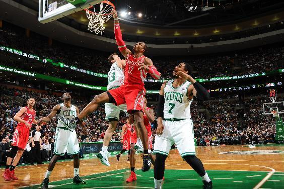 BOSTON, MA - JANUARY 13: Dwight Howard #12 of the Houston Rockets misses the dunk against the Boston Celtics on January 13, 2014 at the TD Garden in Boston, Massachusetts. (Photo by Brian Babineau/NBAE via Getty Images)