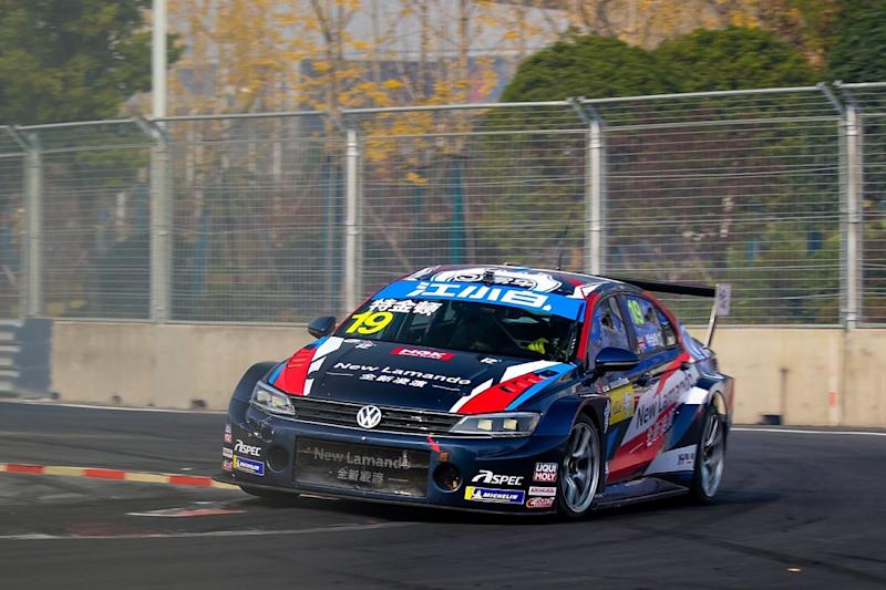 Turkington penalised and rolls in China outing