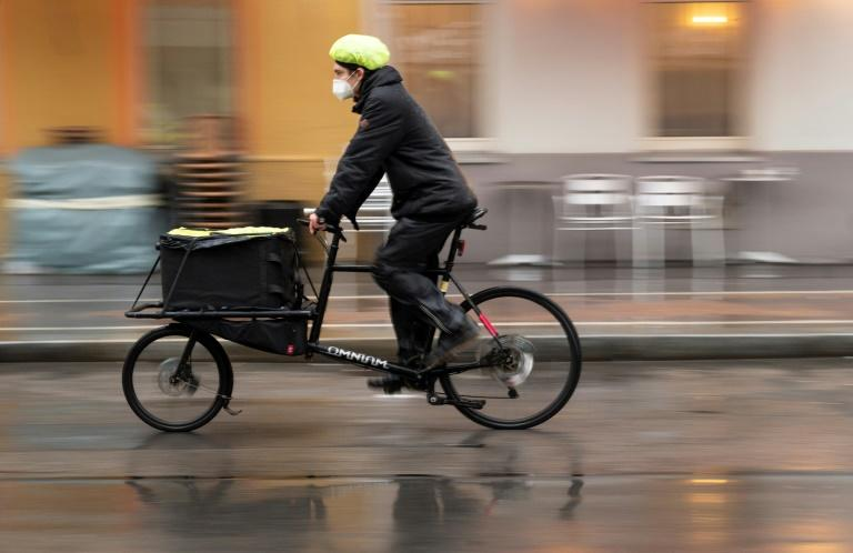 To fight virus' spread, Vienna turns to bike couriers