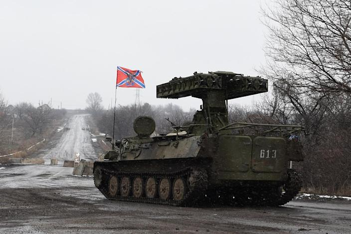 A pro-Russian separatist missile launcher on February 9, 2015 in Uglegorsk (AFP Photo/Dominique Faget)
