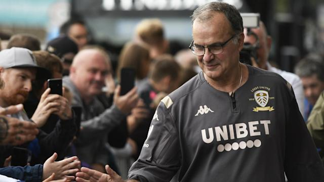 Marcelo Bielsa's Leeds United continued a fine start to the season while promotion rivals Fulham lost to Nottingham Forest.