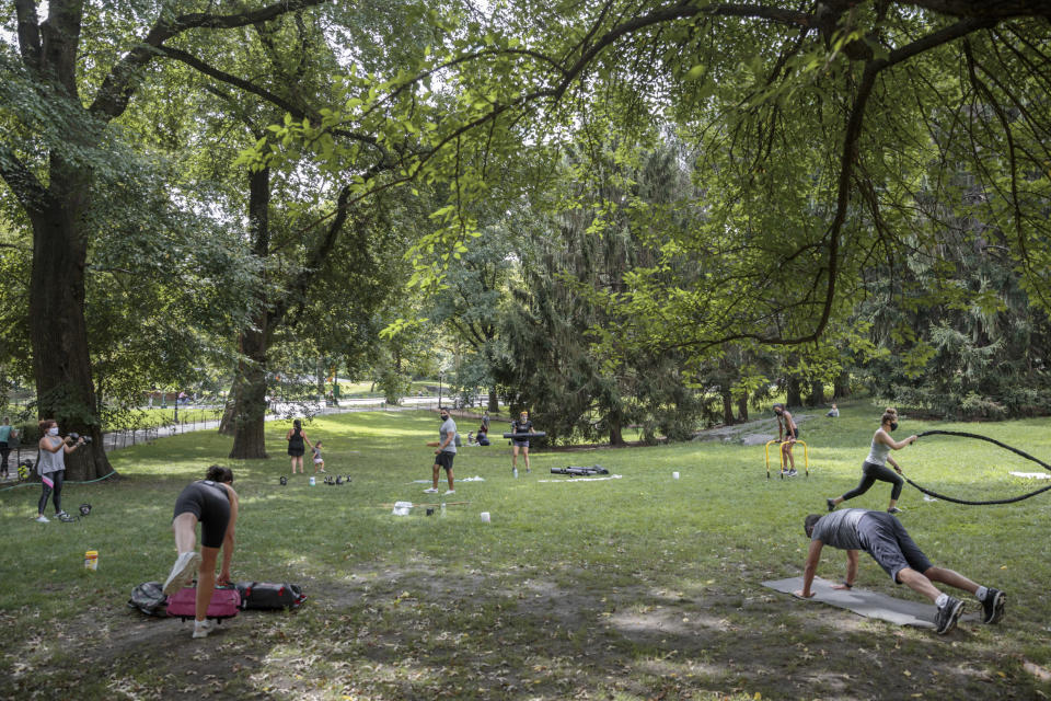 Marco Guanilo, who owns Momentum Fitness, holds outdoor classes in Central Park in New York on Aug. 30, 2020. (Sarah Blesener/The New York Times)